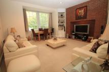 2 bedroom Flat in Daneswood, Heath Lane...