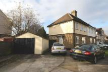 3 bedroom semi detached property in Peartree Avenue