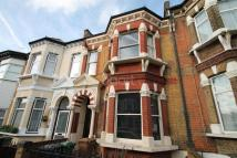 5 bedroom Terraced house in Cedars Avenue