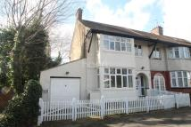 3 bed End of Terrace house for sale in Woodside Park Avenue