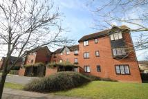 2 bed Flat for sale in UNDER OFFER - SIMILAR...