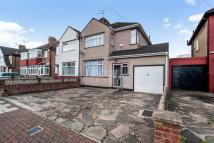 4 bed semi detached home in First Avenue...