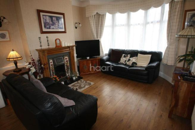 3 bedroom semi detached house for sale in guide price - Average cost to move a 3 bedroom house ...
