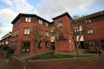 Flat for sale in Martins Court...