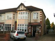 3 bed property for sale in Gidea Park, Essex, RM2