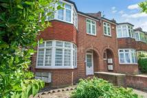 2 bedroom Flat in Chandos Road