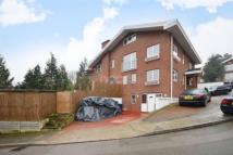 6 bedroom Detached house in Orchard Close