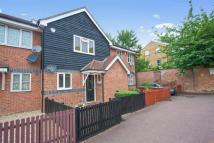 3 bed Terraced house in Mapeshill Place