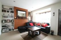 Flat to rent in Dreadnought Close...