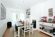 semi detached property to rent in Buckleigh Avenue, SW20