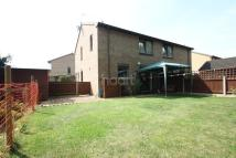 2 bed semi detached property in Park Close