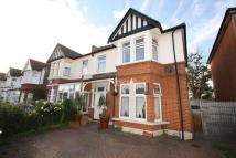 5 bedroom semi detached house in Ashgrove Road