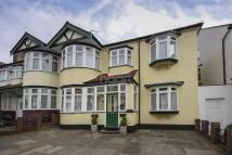 4 bedroom End of Terrace property in Braintree Avenue