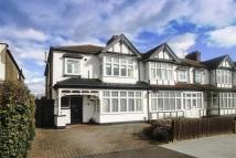 3 bed End of Terrace property in Blenheim Avenue