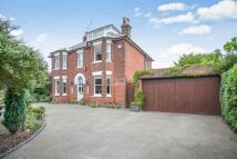 4 bedroom Detached property in Fronks Road, Dovercourt...