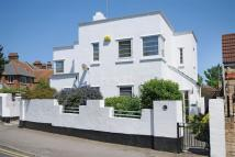 3 bedroom Detached house for sale in Elms Avenue