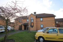 1 bedroom Flat in Portland Close