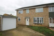 4 bed semi detached house in Mallingdene Close...