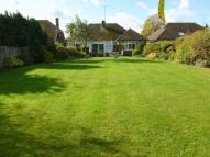 Detached Bungalow in Grove Park, Tring