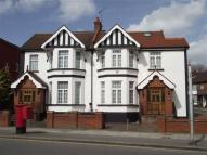 Apartment to rent in Hale Lane, Mill Hill...