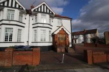 Studio flat to rent in Hale Lane, Mill Hill...