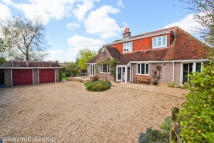 4 bed Detached property in MAIDENHEAD