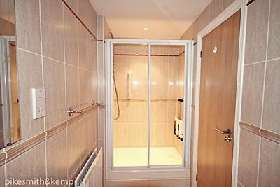 Cloaks/Shower Room