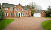 Detached home in MAIDENHEAD