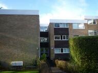 Flat to rent in Heathfield Close...