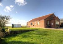 3 bedroom Bungalow in Mill Lane, Wrawby