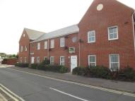 Ground Flat to rent in KING GEORGES AVENUE...