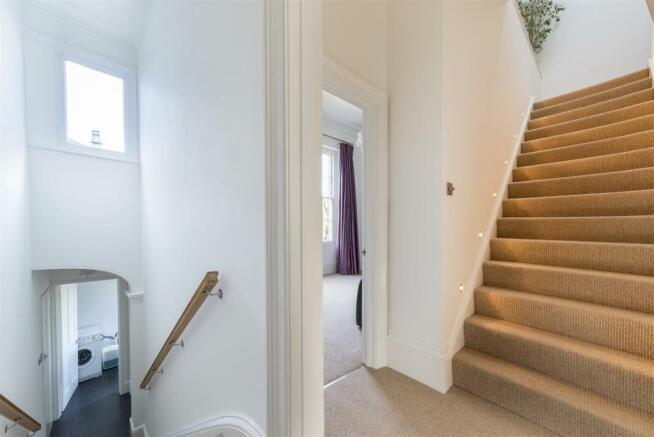 NC6-Stairs-01A.jpg