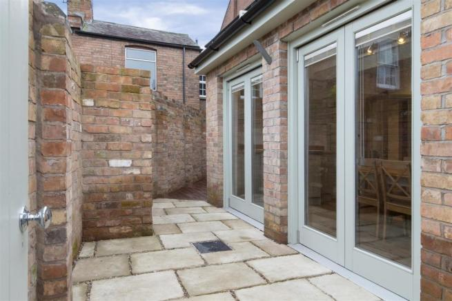 Small Walled Courtya