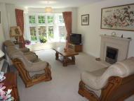 2 bed Ground Flat for sale in Branksomewood Road, Fleet