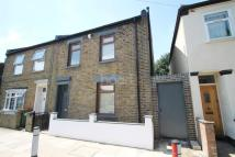 4 bedroom Terraced house for sale in Canning Town