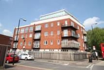2 bedroom Flat in Canning Town