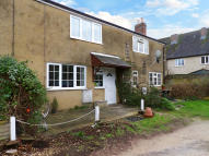 Terraced house to rent in Newland, Witney...