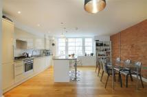 Flat to rent in St Johns Road, Hove...