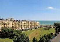 3 bed Flat to rent in Brunswick Square, Hove...