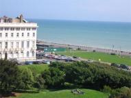 2 bed Flat in Adelaide Crescent, Hove...