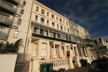 Flat to rent in Kingsway, Hove...