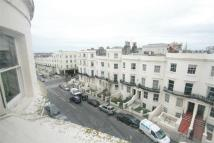 3 bed Flat to rent in Lansdowne Place, Hove...