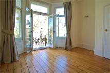 Flat in First Avenue, Hove...
