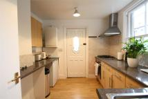 Flat to rent in Lansdowne Street, Hove...