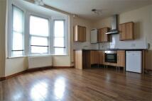 1 bedroom Flat in Queens Park Road...
