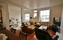 Flat to rent in Holland Road, Hove...