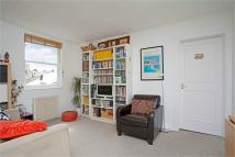 Flat to rent in Brunswick Square, Hove...
