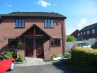 2 bedroom semi detached property to rent in Burgess Close, Worcester