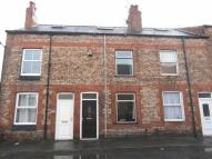 Terraced property to rent in Ripon