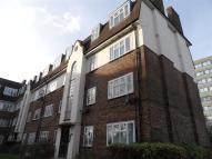 Flat to rent in Avenue Court, London